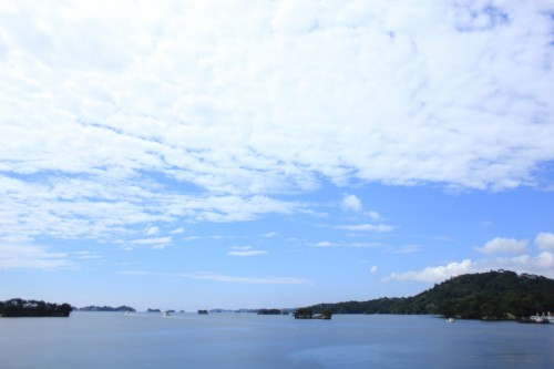 Matsushima is one of the Japanese three most famous views. In situated about a 15-minute drive from there, it is recommended for sightseeing.